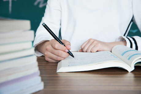 小学写人作文怎样写作?描写人物的形象的手法和技巧有哪些?