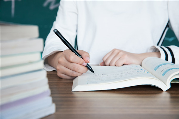 高三學生如何選擇高考模擬卷?高考真題卷和模擬卷區別在哪兒?
