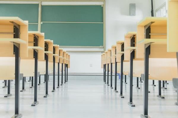 西安高二数学一对一辅导,高二学生想要提高数学成绩该怎么做?