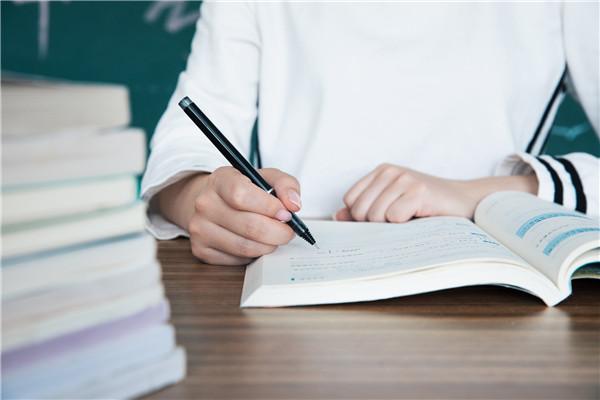 秋天作文怎么写?杭州作文补习班哪里比较好?