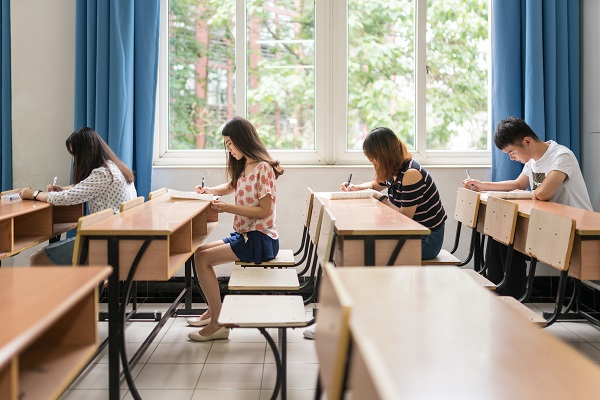 初三学生应该如何提高复习效率,赢得中考呢?