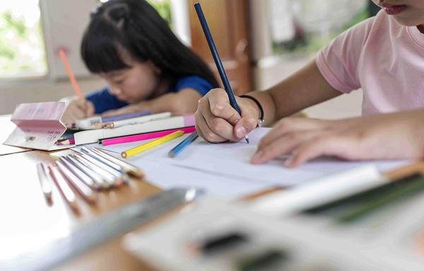 小学生写作业不认真怎么办?怎样教育孩子?