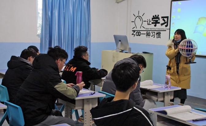"""2021南京一模""""贡献一臂之力、创造幸福生活""""主题作文参考范文"""