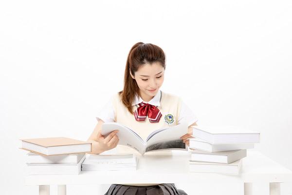 河北五校联盟2022届新高三6月摸底考试语文试题及答案